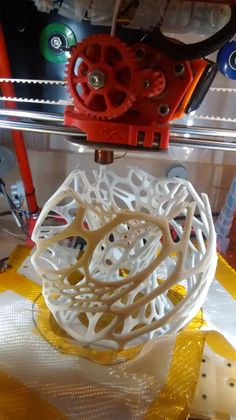 Thing:19104- Cellular Lamp in my Ecksbot 3D Printer , by Paulo Blank