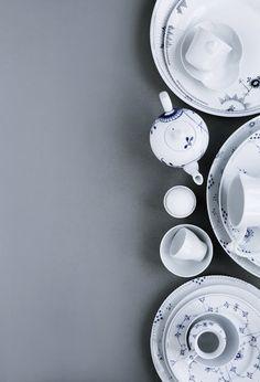 line klein - stylizacja, która zaprasza do zgłębienia zjawiska - żaden z talerzy nie jest w pełnym kole, ładnie!