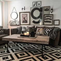 30 Awesome Ways to Style Your Grey Sofa in Living Room Minimalist Living Room Awesome Grey Living Room Sofa style ways Boho Living Room, Living Room Grey, Living Room Sofa, Living Room Furniture, Living Rooms, Barn Living, Brown Furniture, Apartment Living, Casa Retro