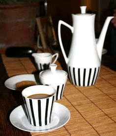 """""""Karla"""" comes from UPSALA-EKEBY KARLSKRONA. It was produced designed by Sven Erik Skawonius (form) and decorated by Eva Bland. Bold black lines here give a lot of elegance with soft lines of the form itself. Vintage Pottery, Sweden, Tea Cups, Coffee, Retro, Tableware, Black, Design, Karlskrona"""