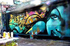 New York, New York. Arte grafitero al estilo del que hay en la East Side Gallery en el Muro de Berlín, o lo que queda de él.