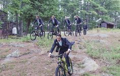 Groom and groomsmen mountain biking | Vintage wedding photography | www.newvintagemedia.ca | Kawartha Lakes Wedding