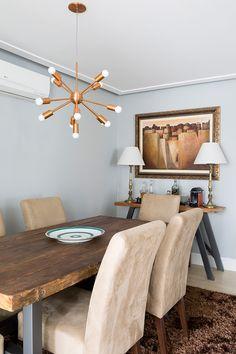 Conheça o apê moderno e colorido da designer de interiores Juliana Datena.