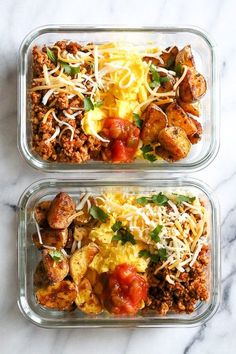Recipes Snacks Meal Prep Breakfast lovers, jazz up your mornings with this Meal Prep Breakfast Taco Scramble, made with potatoes, turkey taco meat, scrambled eggs and salsa (cheese is optional!) perfect to make ahead for breakfast for the week! Healthy Dinner Recipes For Weight Loss, Healthy Recipes, Gourmet Recipes, Diet Recipes, Brunch Recipes, Pudding Recipes, Cooking Recipes, Healthy Breakfast Bowl, Breakfast Tacos
