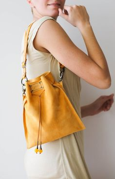Must-have fashion rucksacks, lovely compact rucksacks, elegant reserve bags, and stylish ruksacks. Leather Fanny Pack, Leather Crossbody Bag, Leather Purses, Leather Handbags, Tote Bags, Bags Online Shopping, Yellow Handbag, Valentines Day Gifts For Her, Leather Gifts