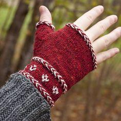 Knitting Patterns Mittens Ravelry: Vide Mitts pattern by docksjö Knit Mittens, Knitted Gloves, Knitting Socks, Hand Knitting, Knitting Patterns, Wrist Warmers, Hand Warmers, Ravelry, Fingerless Mitts