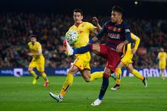 Neymar Santos Jr of FC Barcelona controls the ball during the La Liga match between FC Barcelona and Sporting Gijon at Camp Nou on April 23, 2016 in Barcelona