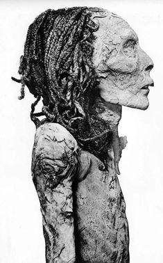 The Royal Mummies and portraits Egyptian Mummies, Egyptian Pharaohs, Egyptian Mythology, Ancient Egypt History, Ancient Art, Egypt Mummy, Egypt Museum, Human Oddities, Creepy Photos