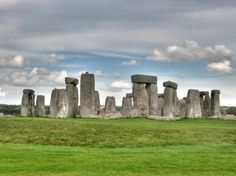 Stonehenge, England the-world-i-have-to-explore  for me this was a totally fascinating visit .......really mind blowing !