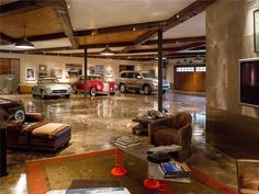 Luxury Man Cave / Garage :: Dallas, Texas
