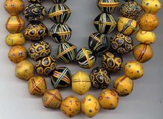 kings4 African trade beads courtesy of beadcollector.net African Accessories, African Jewelry, Ethnic Jewelry, Magical Jewelry, African Trade Beads, Handmade Beads, Jewelry Making Beads, How To Make Beads, Lampwork Beads