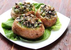 Cartofi copti umpluti cu ciuperci, o reteta perfecta pentru cina