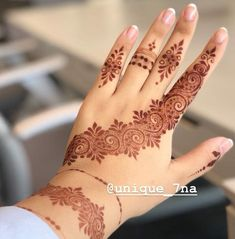 BRIDAL MEHNDI DESIGNS images 2020 now I am shared with you latest HD Quality Mehendi designs pictures for you now just check out this collection of designs. Finger Henna Designs, Mehndi Designs 2018, Bridal Henna Designs, Unique Mehndi Designs, Mehndi Designs For Fingers, Beautiful Mehndi Design, Henna Tattoo Designs, Wedding Designs, Bridal Mehndi