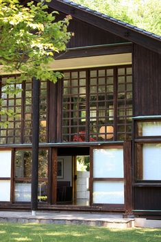 natural home design Japanese Style House, Traditional Japanese House, Japanese Modern, Japanese Interior, Asian Architecture, Architecture Details, Interior Architecture, Interior And Exterior, Pavilion Architecture