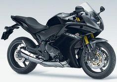 CBR 600 F, versão preta. Excelente opção.