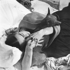 .:  Frida Kahlo, photographed by Hector Garcia, The Wittliff Collection  :.