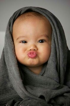 31 Ideas For Funny Baby Photography Ideas Faces So Cute Baby, Cute Kids, Adorable Babies, Cute Funny Babies, Precious Children, Beautiful Children, Beautiful Babies, Beautiful Gorgeous, Funny Baby Faces