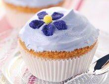 Cupcake violette Cupcakes, Sweet Recipes, Cocktails, Desserts, Food, Mascarpone, Royal Icing, Sugar Paste, Kitchens