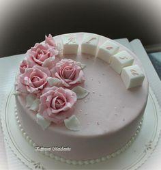 Ruusuja Ruususelle Wedding Cakes, Desserts, Food, Wedding Gown Cakes, Tailgate Desserts, Deserts, Essen, Cake Wedding, Postres