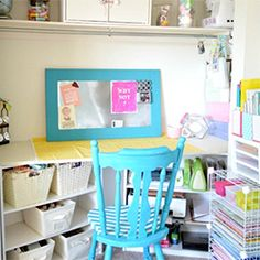 Don't have a spare bedroom to turn into a craft room? That's ok. Just turn a closet into a crafting nook!