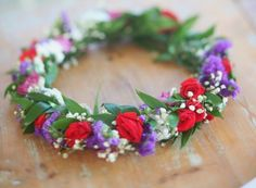 .Scandinavian Midsummer band of flowers to wear in your hair while celebration…