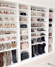 Walk In Closet Ideas - Do you require to whip your little walk-in closet right into form? You will certainly like these 20 extraordinary tiny walk-in closet ideas as well as makeovers for some . Walk In Closet Design, Bedroom Closet Design, Closet Designs, Bedroom Decor, Closet Tour, Bag Closet, Closet Office, Glam Room, Luxury Closet