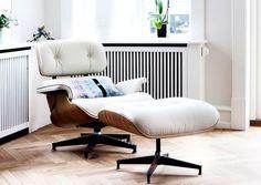 Comfort Chairs: Kάθε σπίτι αξίζει να έχει από μία Το κρεβάτι μόνο δεν είναι αρκετό. Eames, Lounge, Chair, Furniture, Home Decor, Airport Lounge, Drawing Rooms, Decoration Home, Room Decor