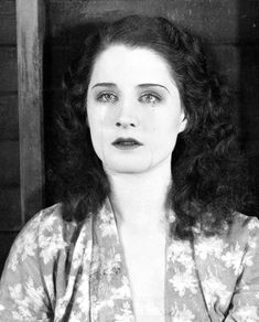 """deforest: """"Norma Shearer in The Devil's Circus """" Norma Shearer, Norman, Old Hollywood Movies, Classic Hollywood, Hollywood Icons, Vintage Hollywood, Olivia De Havilland, Crazy Eyes, Classic Actresses"""
