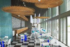 Point Yamu by COMO is a luxury design hotel on the East Coast of Phuket, Thailand. Point Yamu by COMO hotel offers stylish rooms & villas + a COMO Shambhala spa. Design Bar Restaurant, Paola Navone, Plafond Design, Restaurants, Lounge Design, Commercial Design, Ceiling Design, Interior Decorating, Phuket Thailand