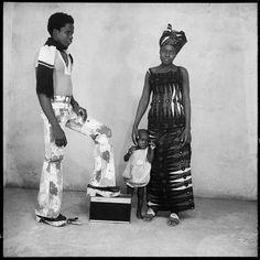 Malick Sidibé Des chaussures pour aller danser, 1963, Courtesy Galerie du jour Agnès b.