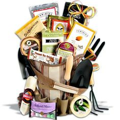 Select the perfect Mother's Day Gift Basket from gifts to edible arrangements. Send Gourmet Gift Baskets this Mother's Day. Gourmet Food Gifts, Gourmet Recipes, Gourmet Garden, Garden Basket, Gift Bouquet, Gourmet Gift Baskets, Jar Gifts, Garden Gifts, Gift Bags