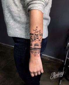 Die schönsten Tattoo Designs - So. The most beautiful tattoo designs - So . The most beautiful tattoo de Cover Up Tattoos, Body Art Tattoos, New Tattoos, Sleeve Tattoos, Ankle Tattoos, Ankle Tattoo Cover Up, Spine Tattoos, Tattoo Sleeves, Tattoo Art
