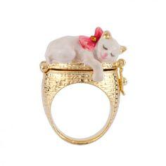 Les Nereides White Cat and Kittens Secret Ring Size 7 , Cat Jewelry, Animal Jewelry, Jewelry Rings, Jewelry Accessories, Animal Rings, Jewellery, Paris Cat, Les Nereides, Cat Ring