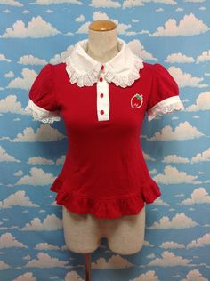 Freshly Picked Strawberries Cutsew (without Jabot) in Red from Angelic Pretty - Lolita Desu