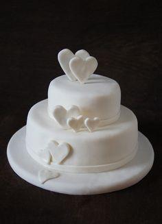 Tort Weselny. Delikatny biały