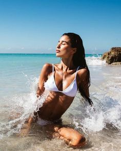 Seductive pretty woman in bikini swimwear at the beach. Visit us for more ! Story Instagram, Photo Instagram, Anna Instagram, Instagram Blog, Beach Shoot, Beach Babe, Photoshoot Beach, Summer Pictures, Beach Pictures