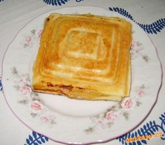 Sendviče z listového těsta Sweet Recipes, Pancakes, Breakfast, Food, Morning Coffee, Essen, Pancake, Meals, Yemek