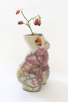 The limited Raku series is handcrafted in Austria by the artist Andrea Kollar in cooperation with Lea and Simone from Studio Kiru who created their very own unique style of Raku and pottery art. You can find different shapes and sculptures in my online shop. Each vase of this series is a unique piece. ceramic art | Raku pottery | raku art | sculpture woman #andreakollar Raku Pottery, Pottery Sculpture, Pottery Art, Modern Sculpture, Sculpture Art, Sculptures, Vase Centerpieces, Vases Decor, Ceramic Decor