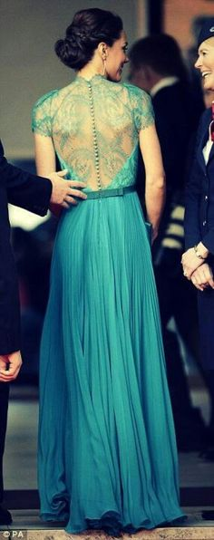 The colour n the back of this dress...love both.. <3 <3