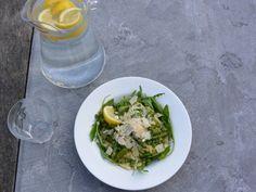 Pastasalade met asperges en doperwten