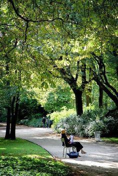 Jardin du Luxembourg https://www.flickr.com/photos/calinore/6177200420/in/set-72157602823428483