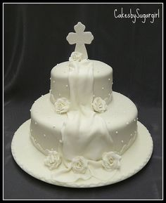 First Communion Cake. Remove the veil and add more roses? First Holy Communion Cake, Première Communion, Communion Dresses, Fondant Cakes, Cupcake Cakes, Comunion Cakes, Confirmation Cakes, Baptism Cakes, Occasion Cakes