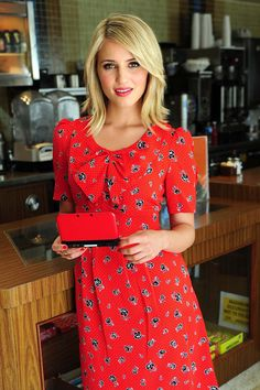 dianna agron hair- my hair's about this length.  i just don't really like the flip out