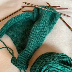 Vi strikker sammen: Tovede tøfler! - Knitted Slippers, Knitting Socks, Mittens, Knitting Patterns, Crochet, How To Make, Crafts, Tutorials, Fashion