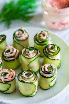 Cucumber Appetizers, Appetizers For A Crowd, Cucumber Recipes, Yummy Appetizers, Appetizer Recipes, Vegetable Appetizers, Seafood Appetizers, Cucumber Bites, Cheese Appetizers