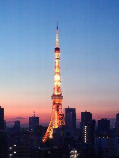 Tokyo Tower ( 5:55am, Mar. 25, 2012)