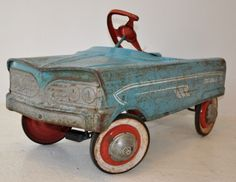 """A vintage Murray """"Tee Bird"""" pedal car from steel. The car dates from the Antique Toys, Vintage Toys, Vintage Antiques, Retro Vintage, Retro Toys, Car Dates, Car Drawings, Pedal Cars, Tin Toys"""