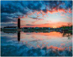 《醉美夕阳》 by 行摄无疆 / 500px Reflection Photography, Unique Image, Abstract Images, Sunrise, Water, Outdoor, Beautiful, Gripe Water, Outdoors