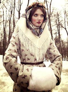 La poupée russe selon Giovanna Battaglia (Vogue Japon)