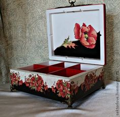 Шкатулки ручной работы. Ярмарка Мастеров - ручная работа Шкатулка большая Маки 2. Handmade. Napkin Decoupage, Decoupage Box, Painted Boxes, Wooden Boxes, Pretty Box, Box Art, Hobbies And Crafts, Hope Chest, Poppies